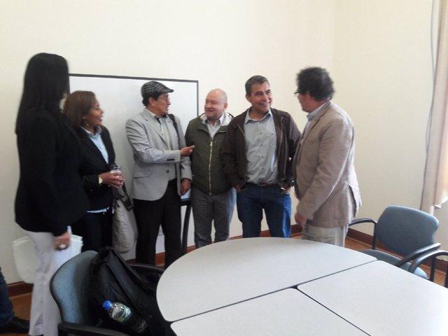Encuentro entre los negociadores de las FARC y el ELN
