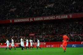 El Sevilla permite acceder a Biris con su pancarta