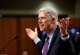 Los republicanos cambian las reglas del Senado para llevar al juez Gorsuch al Supremo
