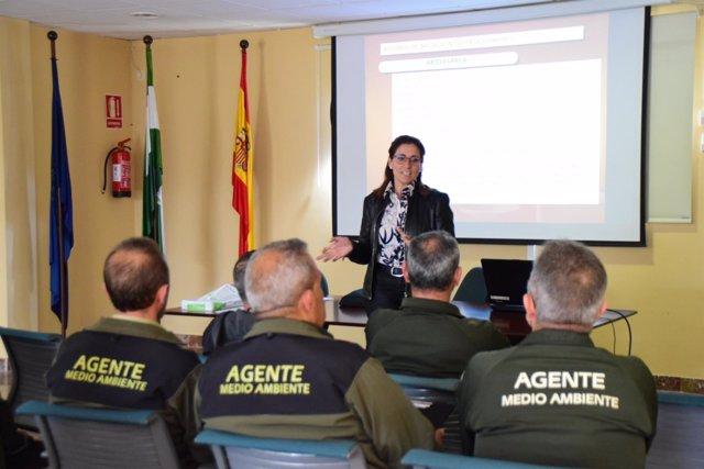 Nota Y Fotos / Agentes De Medio Ambiente Participan En Un Curso Formativo De La