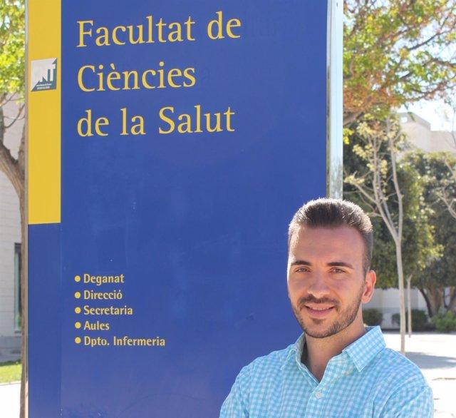 Asier Martínez, en el campus de Sant Vicent del Raspeig