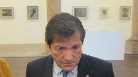 """Javier Fernández exige a Rajoy """"ancho ibérico"""" para que las mercancías """"pasen por los túneles de Pajares"""""""