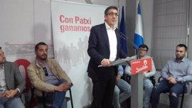 """Patxi López defiende que el apoyo a un candidato es cuestión de la militancia del PSOE y """"no de aparatos ni de barones"""""""