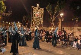 Las calles de la ciudad de Murcia se tiñen este Viernes de Dolores de azul