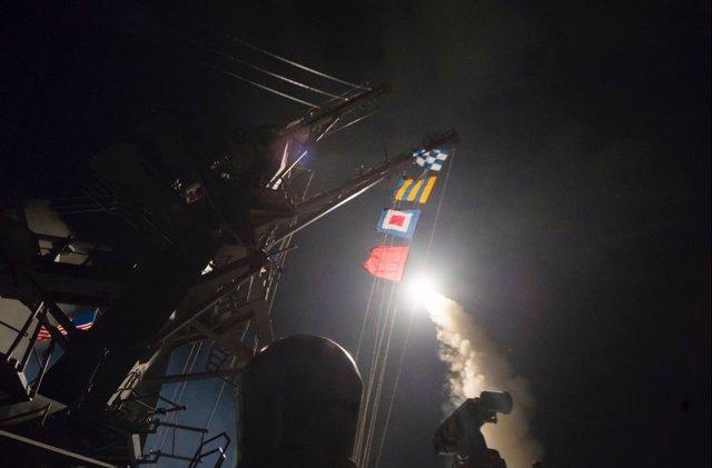El 'USS Porter' lanza misiles 'Tomahawk' contra una base aérea en Siria