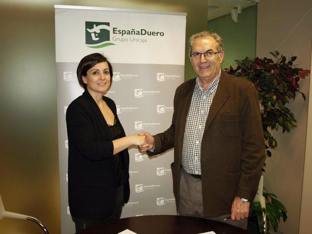 Firma del acuerdo entre EspañaDuero y Cobadu