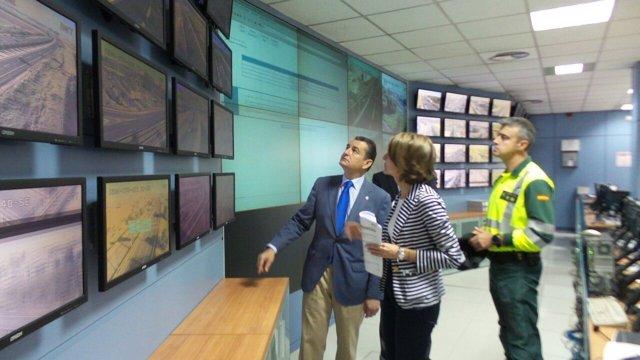 Visita del delegado del Gobierno al Centro de Gestión de Tráfico de Sevilla