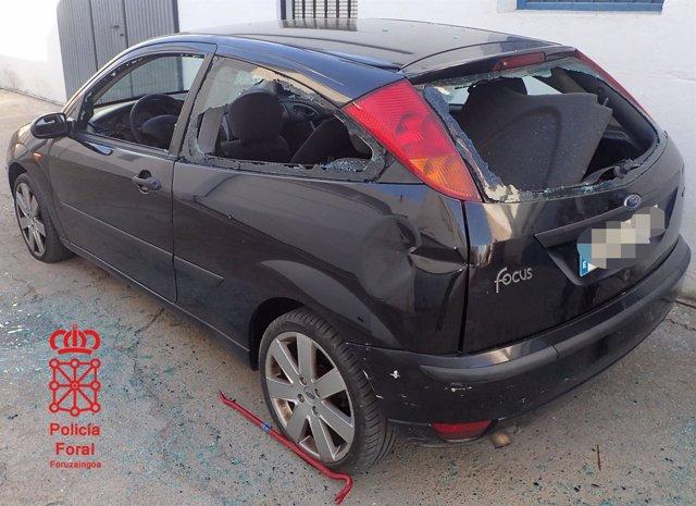 Estado en el que quedó el vehículo de los presuntos autores.