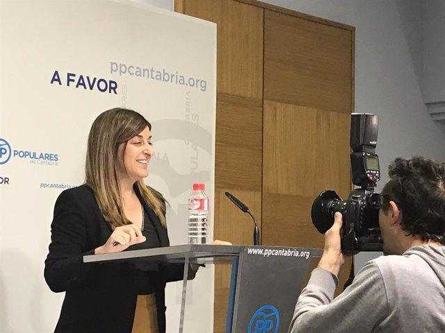 Buruaga en su primera rueda de prensa como presidenta del PP