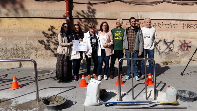 Campaña del Ayuntamiento sobre anclajes de bicicletas
