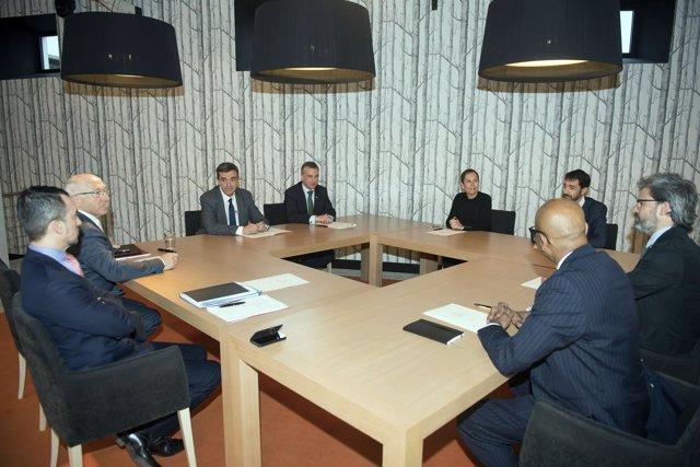 Barkos, Urkullu y Etchegaray con la Comisión Internacional de Verificación