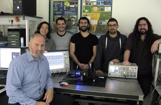 Premsa Ub: Un Microscopi D'Ultraresolució De La Mida D'Un Xip