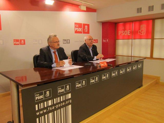 Antonio Trevín y Vicente Álvarez Areces en la sede de la FSA PSOE