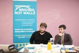 """Podemos impulsa una """"internacional democrática"""" en Europa para combatir al """"establishment"""" y la xenofobia"""