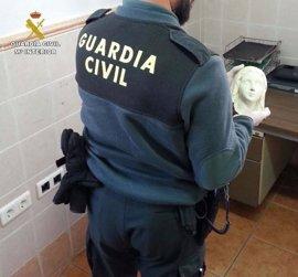 Un detenido por el robo de la cabeza y manos de la Virgen de Lourdes de Higuera de la Sierra