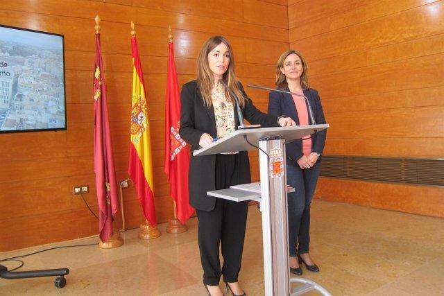 Rebeca Pérez contesta a preguntas de los medios tras rueda de prensa