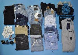 Detenido en un hostal de Burgos en posesión de numerosas prendas robadas