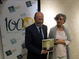 Un nuevo libro repasa los cien años de historia de Caja Rural de Salamanca
