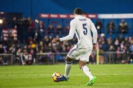 Varane, única ausencia en la lista del Real Madrid para el derbi