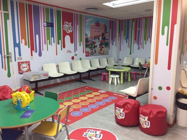 El Hospital de Basurto y Lilly instalan una zona de juegos educativa