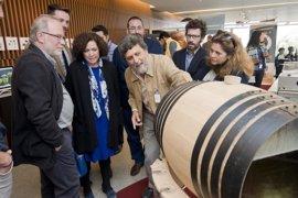 Una muestra de la UPO en el Parque de las Ciencias de Granada analiza 'La vida dentro del vino'