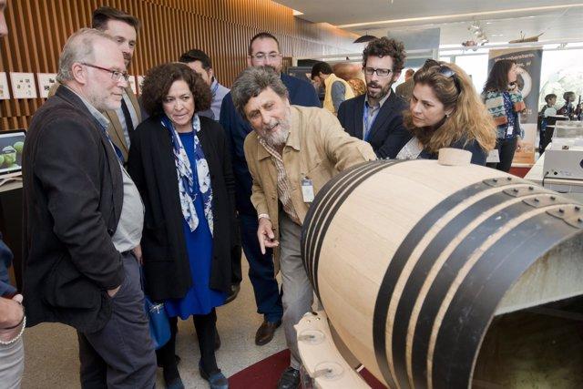 La UPO muestra 'La vida dentro del vino' en el Parque de las Ciencias de Granada