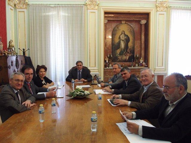 Nota Y Foto Comisión Ejecutiva Del Consorcio