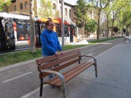 El eje Gran Vía-Fernando el Católico estrena cien bancos más ergonómicos