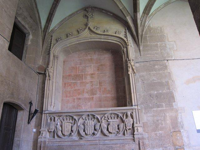 Sarcófago De La Reina María De Castilla