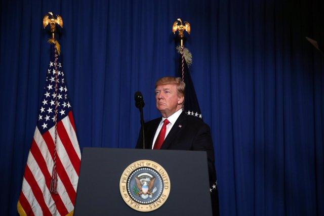 Trump confirma el ataque contra una base militar en Siria