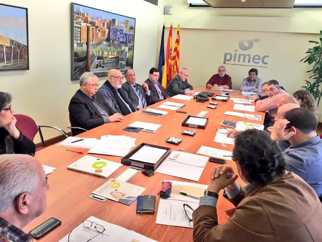 Reunión de constitución del Grupo Alimentación