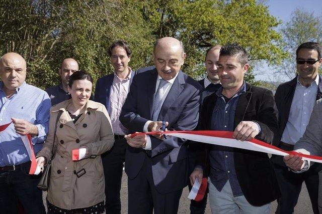 Inauguración carretera entre Corvera y Santiurde de Toranzo