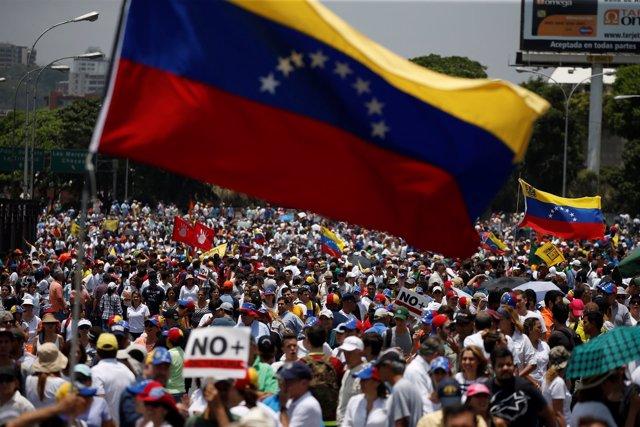 Manifestación opositora por Caracas