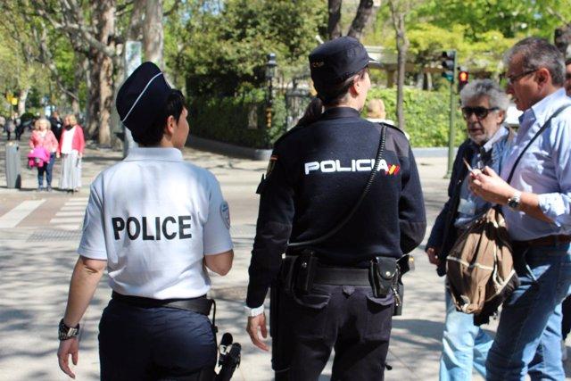 Patrulla con agentes españoles y franceses