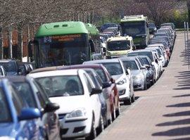Las carreteras madrileñas presentan 42 kilómetros de retenciones el primer sábado de Semana Santa