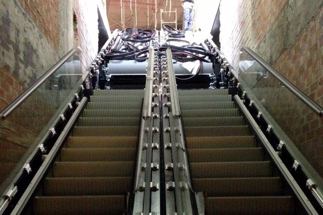 Escaleras metro de Málaga