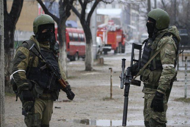 Soldados de Rusia en la república de Daguestán