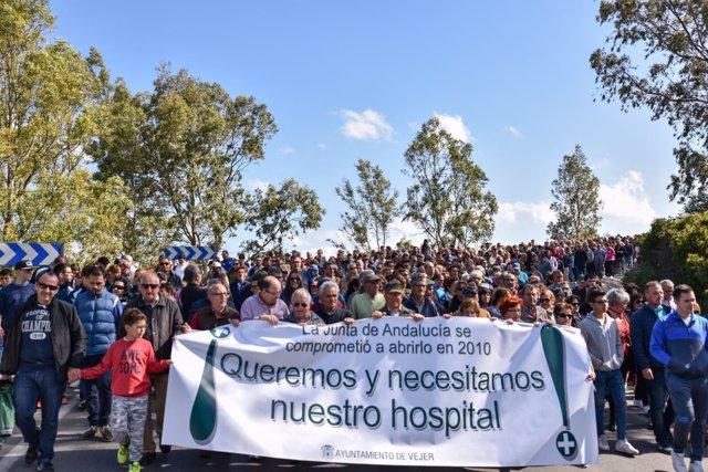 Marcha reivindicativa por el HARE de La Janda en Vejer de la Frontera (Cádiz)