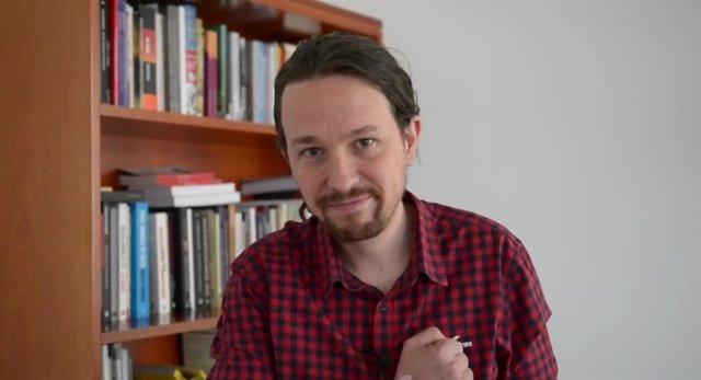 Fotograma del vídeo de Pablo Iglesias (Podemos) a la asamblea de los 'comuns'