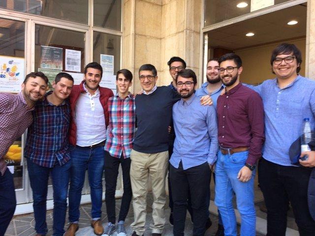 El candidato socialistas se ha reunido con militantes valencianos