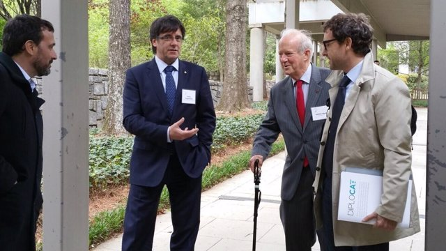 Carles Puigdemont, Ambler Moss y Albert Royo en el Carter Center de Atlanta