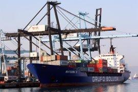 Piratas somalíes secuestran un buque portacontenedores