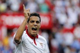 El Sevilla reacciona ante el Deportivo y se acerca al Atlético