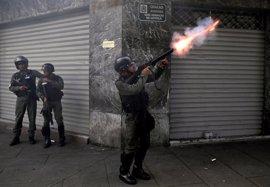 Amnistía Internacional insta a Caracas a analizar el gas lacrimógeno utilizado por la Policía venezolana