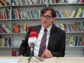 """El PSC dice que Puigdemont hace el ridículo porque """"nadie relevante en el mundo"""" le recibe"""