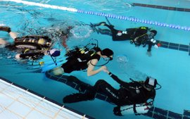 Santander pone en marcha bautismos de buceo adaptado