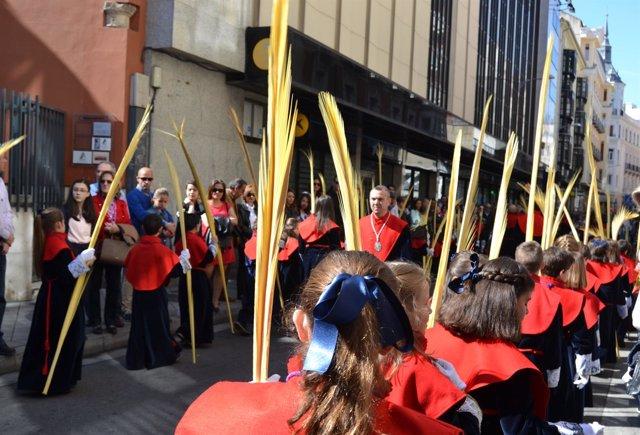 Valladolid. Miles de personas arropan a 'La Borriquilla'