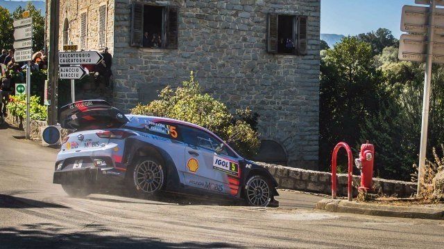 Thierry Neuville rally Francia