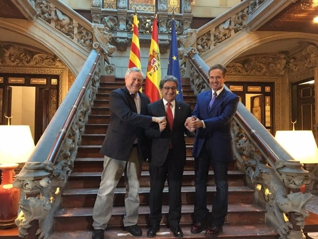 Dana Rohrabacher, Brian Higgins y Enric Millo en Barcelona