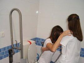 Más de 60 extremeños con discapacidad recibirán atención sociosanitaria en su domicilio por parte de Cocemfe Badajoz